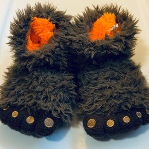 Other - Kids' monster feet slippers - size XL / 5-6